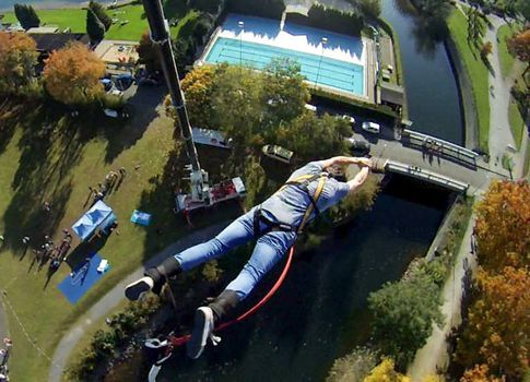 Bungee Jumping in Duisburg