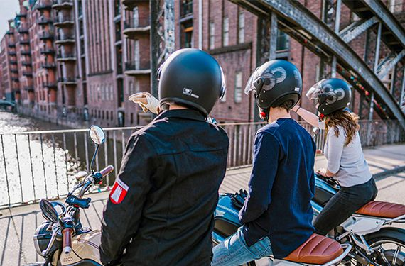 E-Moped Tour mit Picknick in Hamburg (5 Stunden)