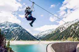 Flying Fox und Abseilstation im Zillertal